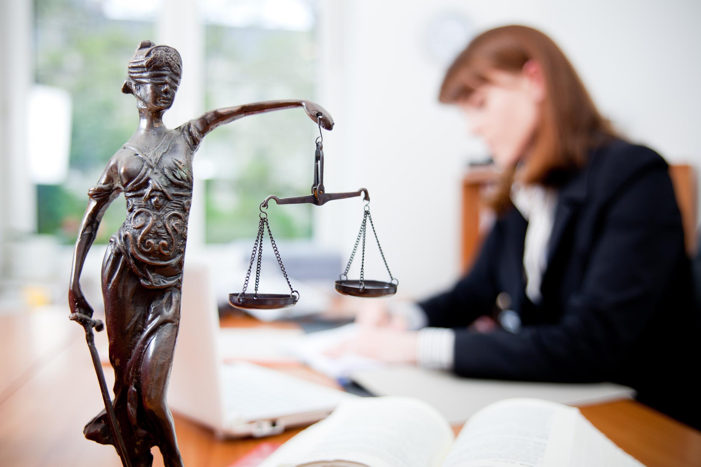 Что нужно знать при выборе адвоката?